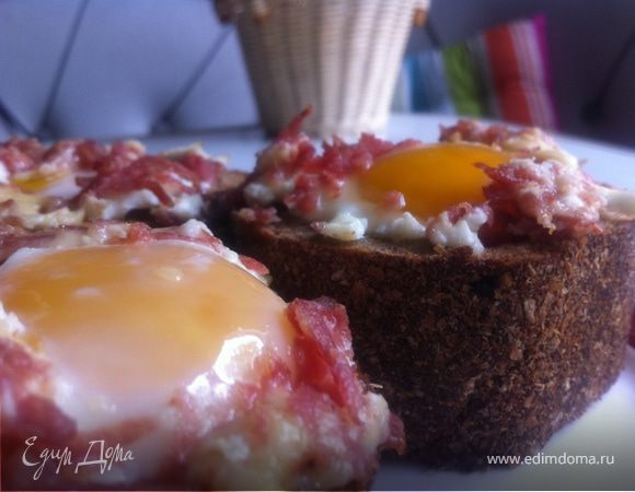 Яичница в хлебном стакане