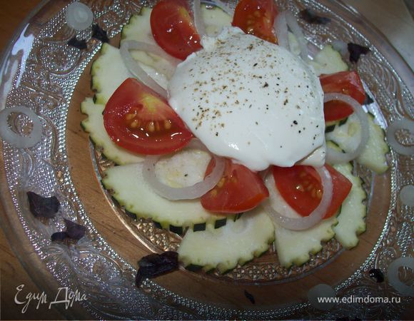Салат из сырых цукини со сметаной