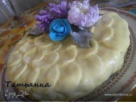 Торт украшенный живыми цветами...
