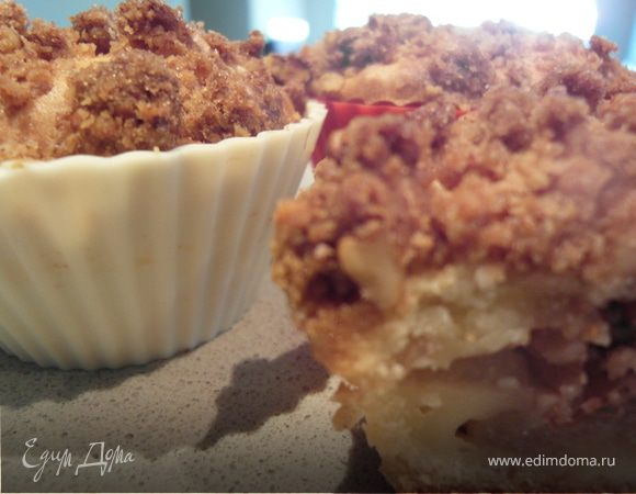 Яблочные кексы с хрустящим ореховым топпингом
