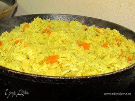 Рис в сковородке