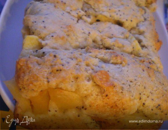 Маковый кекс с бананами и яблоками.