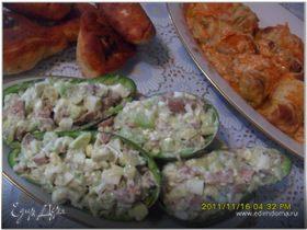 Салат из авокадо с печенью трески