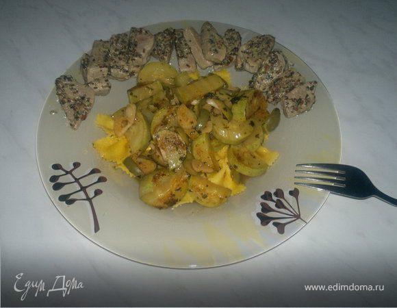 Пикантные макароны и свиная вырезка с горчицей.