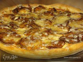 Пирог с баклажанами, колбасой и творожным сыром