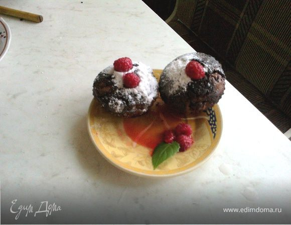 Шоколадные кексы-брауни с малиной