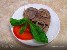 Телятина, маринованная в соусе Винегрет с репчатым луком