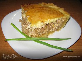 Киш с мясом и сыром рикотта.