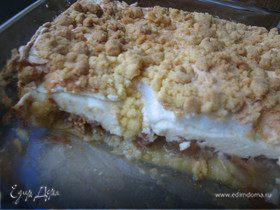Творожно-яблочный пирог с меренгой