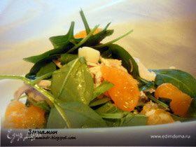 Салат со шпинатом, курицей и мандаринами