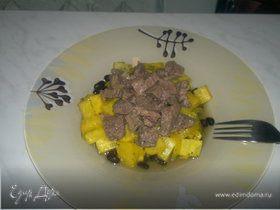 Похлебка из черной фасоли с корнем сельдерея и ананасом, говядина в насыщенном бульоне
