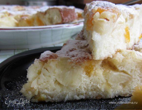 Пирог с яблоками и курагой