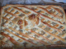 Пирог с квашеной капустой, луком, грибами и яйцом