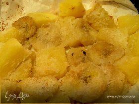 Теплый десерт из банана, ананаса и кокоса