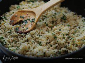 Бурый рис Aglio, olio, peperoncino
