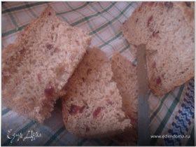 Пшенично-ржаной хлеб с клюквой