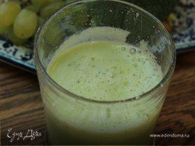 Сок из брокколи, яблока и винограда