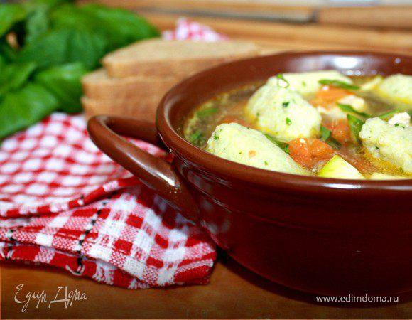Летний суп с рисовыми клёцками