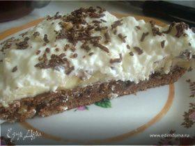 Шоколадно-банановый торт со сливками