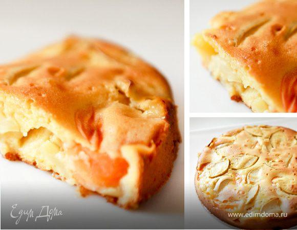 Йогуртовый пирог с абрикосами и яблоками