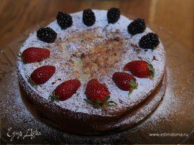 Пирог со сливочным сыром и голубикой