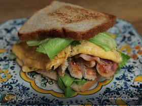 Сэндвич с индейкой и беконом