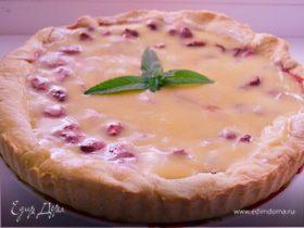 Пирог с клубникой и заварным ванильным кремом
