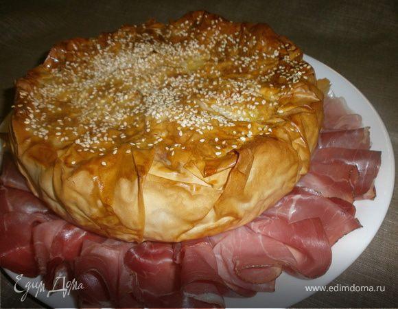 Закрытый заливной пирог с сыром и грушами