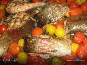 Запеченная рыба с помидорами черри