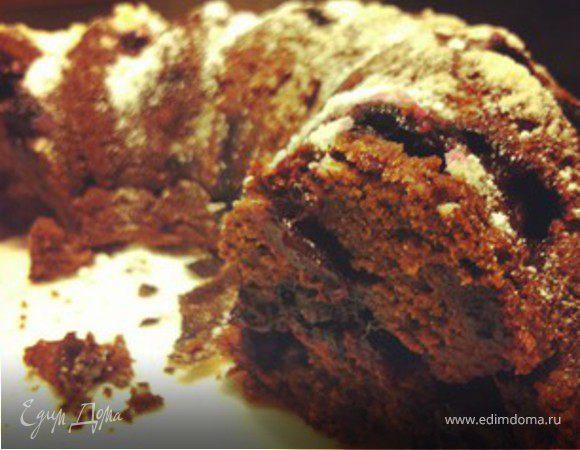Шоколадный кекс с черной смородиной
