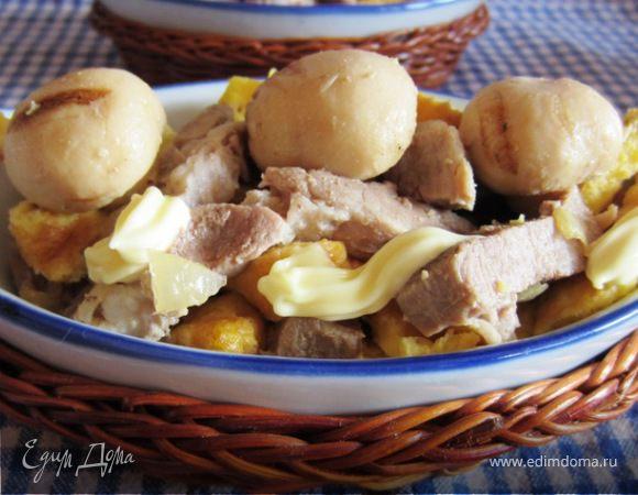 Мясной салат с омлетом