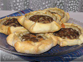 Арабские открытые пирожки с мясом