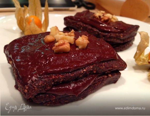 Шоколадное пирожное (сырое)