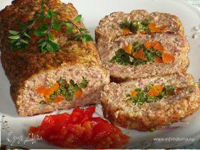 Мясной рулет с морковью и стручковой фасолью