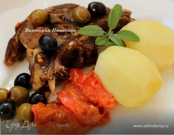 Баранина в вине с маслинами и шалфеем