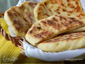 "Индийские лепешки ""Наан с сыром"" (Cheese naan)"