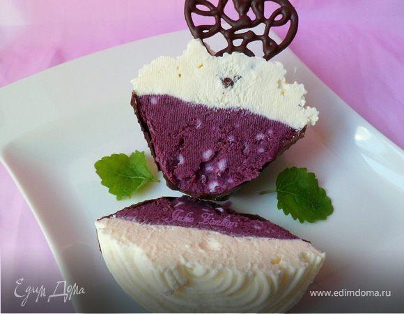 """Сорбет-мороженое из черники с шоколадом и сливками (""""Вкус лета"""")"""