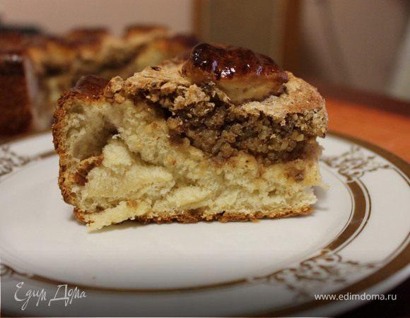 Сдобный пирог с грецкими орехами