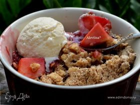 Хрустящий и ягодный десерт с орешками