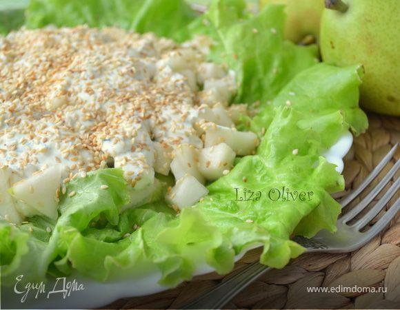 Свежий летний салат с фетой и огурцом