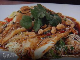 Жареная форель под соусом тэрияки с салатом из фунчезы