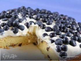 Пирог с творожно-маскарпоновым кремом и черникой