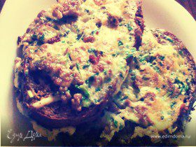 Бутерброд на завтрак с фаршем и сыром