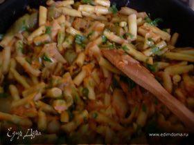 Стручковая фасоль с перцами