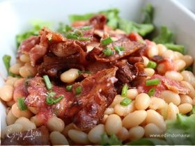 Быстрый салат из фасоли с беконом