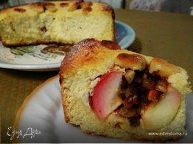 """Творожный пирог """"Четыре фермерских яблочка"""" с изюмом, орехами и медом"""