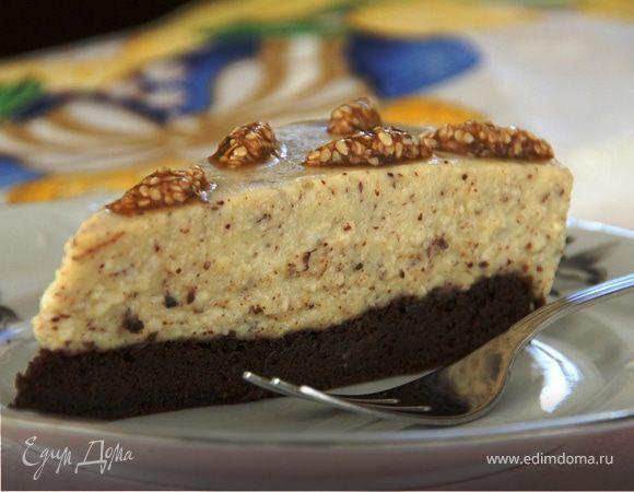 Шоколадно-ореховый торт с кунжутными козинаками