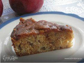 Влажный яблочный пирог с коричным топпингом