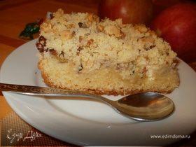 Пирог с виноградом и ореховым штрейзелем