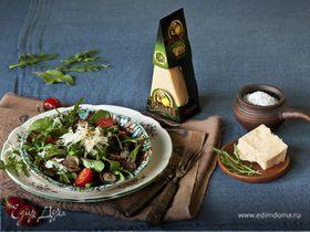 Теплый салат с грибами и сыром Джюгас